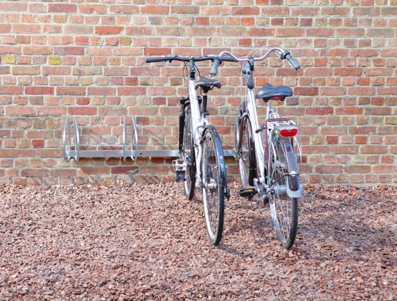 MOTTEZ - Range 4 vélos mural à 90° - B140V4