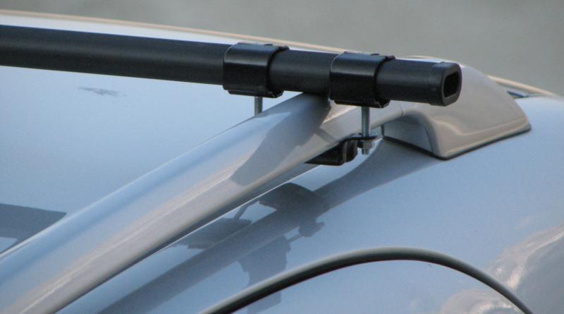 Pack complet 2 barres de toit prémontées en acier Cam Logico 1950 sw